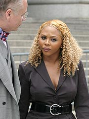 Lil' Kim Back in Court on Perjury Charge
