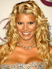 Cosmetics Maker Sues Jessica Simpson