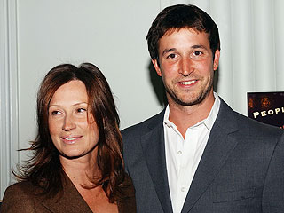 Noah Wyle & Wife Have a Baby Girl