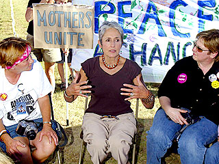 Joan Baez Plays to Texas Protest Crowd