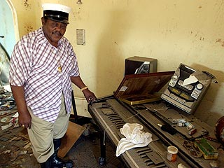 Fats Domino Returns to New Orleans Home