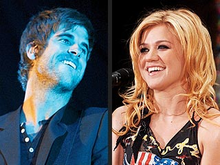 Kelly Clarkson, Boyfriend Break Up