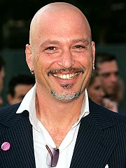 Germaphobe Howie Mandel Calls Hospitalization 'Really Hard'
