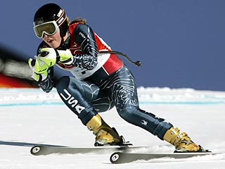 Lindsey Kildow Returns to Downhill Race