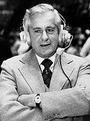 Leading Sportscaster Curt Gowdy Dies