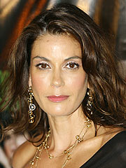 Teri Hatcher Injured on Housewives Set