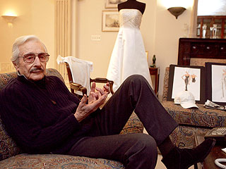 Oleg Cassini, Designer of 'Jackie' Look, Dies