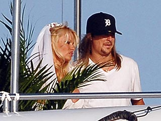 Pamela Anderson, Kid Rock Tie the Knot