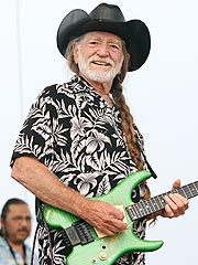 Willie Nelson Helps Farmers Hit By Hurricane