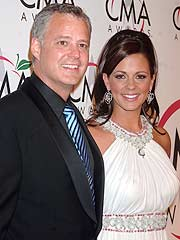 Sara Evans, Estranged Husband Swap Accusations