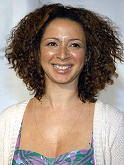 Maya Rudolph Bugged by Infested Apartment
