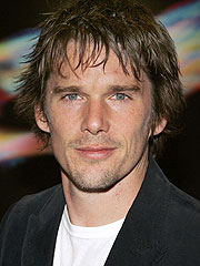 Ethan Hawke: Uma a 'Phenomenal' Mom