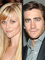 Reese Witherspoon & Jake Gyllenhaal Get Close