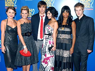 HSM Stars Encounter Fans – in the Bathroom!