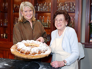 Martha Stewart's Mother Dies