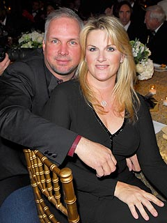 Garth brooks 39 s new job is stay at home dad couples for Is garth brooks and trisha yearwood still married