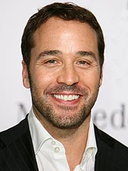 Jeremy Piven Explains His Mystery Ailment