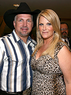 Garth Brooks & Trisha Yearwood Celebrate Anniversary at McDonald's | Garth ...