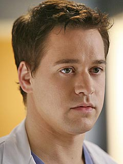 T.R. Knight Asks to Leave Grey's Anatomy