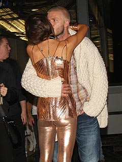 Posh & Becks' Backstage Kiss – and More Spice Girls Pictures