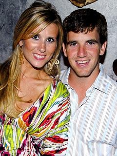 Eli Manning & Wife Sneak Away for Honeymoon