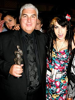 Amy Winehouse Shows Up Late for Awards Event