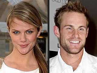Brooklyn Decker Jokes: 'I Was Stalked' By Andy Roddick