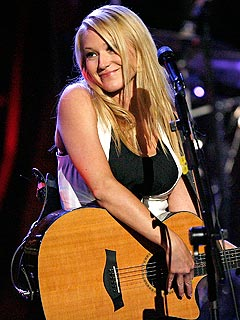 Jewel Honored for 18 Million Albums Sold