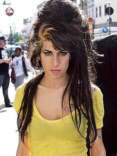 Amy Winehouse Leaves the Hospital