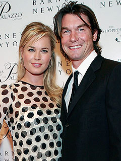 Jerry O'Connell & Rebecca Romijn Are 'Trying to Get Pregnant'