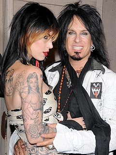 Nikki Sixx & Kat Von D 'Keep Getting Closer'