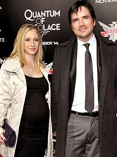 Gossip Girl's Matthew Settle 'Excited,' But 'Not Ready' for Baby