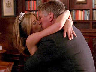 Alec Baldwin Kisses and Tells on Jennifer Aniston