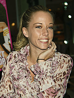 Kendra Wilkinson Goes Postal After Forgetting Stamp