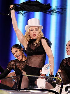 Gwyneth, Kate and Nicole Get Into Groove for Madonna