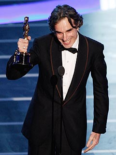 Daniel Day-Lewis, No Country for Old Men Win Top Oscars