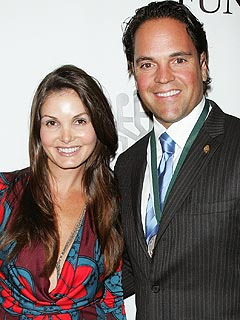 Baseball's Mike Piazza Now a Happy Father of Two