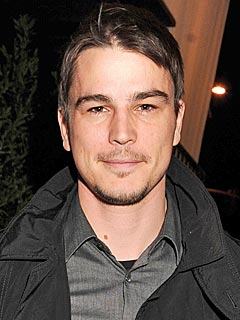 Josh Hartnett's Guys' Night at New York Italian Restaurant