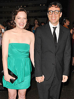 Mad Men's Elisabeth Moss Marries SNL's Fred Armisen