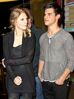 Taylor Swift and Taylor Lautner Get Friendly Over Fro-Yo