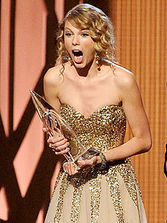 Taylor Swift 'Freaking Out' Over Grammys