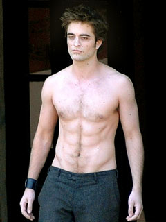Fans Go Wild for a Shirtless Rob Pattinson!