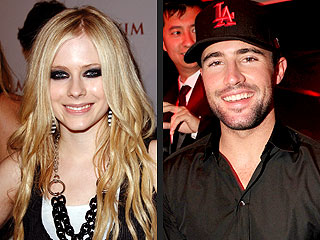 Avril & Brody Take Their Romance Clubbing