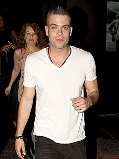Glee's Mark Salling Celebrates First Album with Pizza and Beer