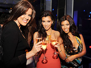 Kardashian Sisters to Play Themselves on90210