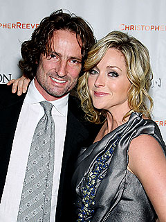 30 Rock's Jane Krakowski Gives Birth to Son Bennett