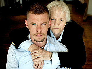 Without Mom,  Alexander McQueen &#39;Could Not Face the Future&#39;