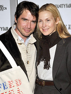 Gossip Girl's Matthew Settle & Kelly Rutherford Make a 'Good-Looking' Couple – On TV