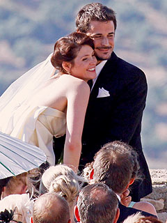 Gemma Arterton Pulls Off Secret Wedding in Spain