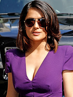 Salma Hayek: Plastic Surgery 'Not Beautiful'